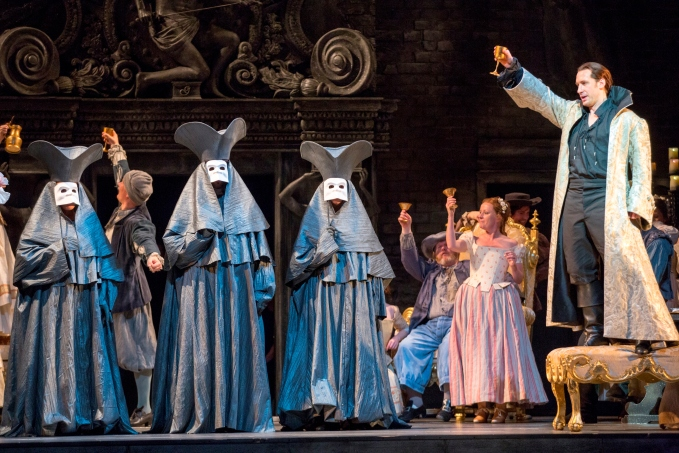 5-scottish-operas-don-giovanni-2013-directed-by-sir-thomas-allen-designed-by-simon-higlett-credit-james-glossop